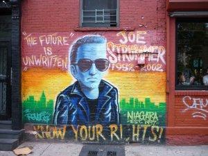 6361278-Joe_Strummer_mural_NY-0