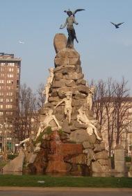 Monumento_caduti_Frejus_Torino