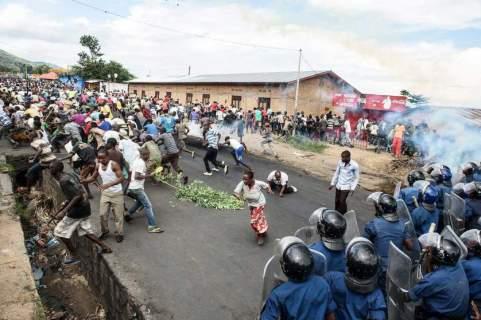 Proteste contro il terzo mandato incostituzionale del presidente Pierre Nkurunziza, 13 May 2015, Bujumbura, Burundi.