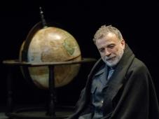 'Vita di Galileo' di Brecht, B., di e con Gabriele Lavia al Teatro della Pergola, Firenze. Dal 28/10/15 al 04/11/15.