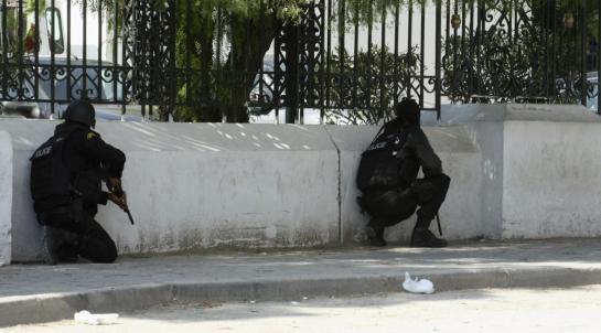 Tunisi, attentato terroristico nell'area del Parlamento e del museo del Bardo